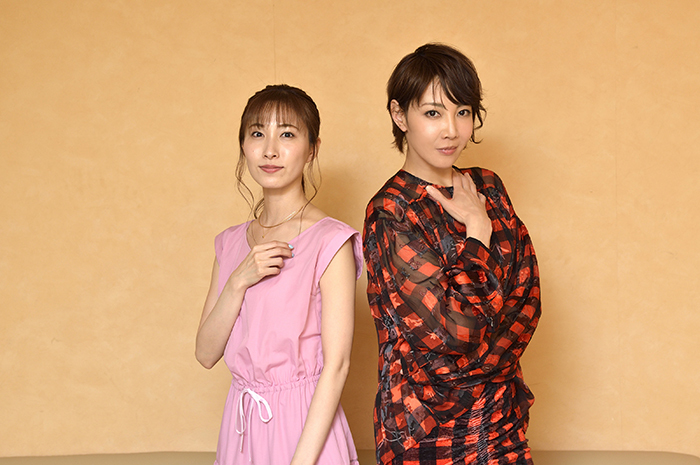 (左から)実咲凜音、柚希礼音