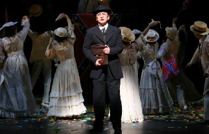 石丸幹二「今この時代だからこそ観て考えて頂きたい」~日本初演ミュージカル『パレード』初日観劇レポート