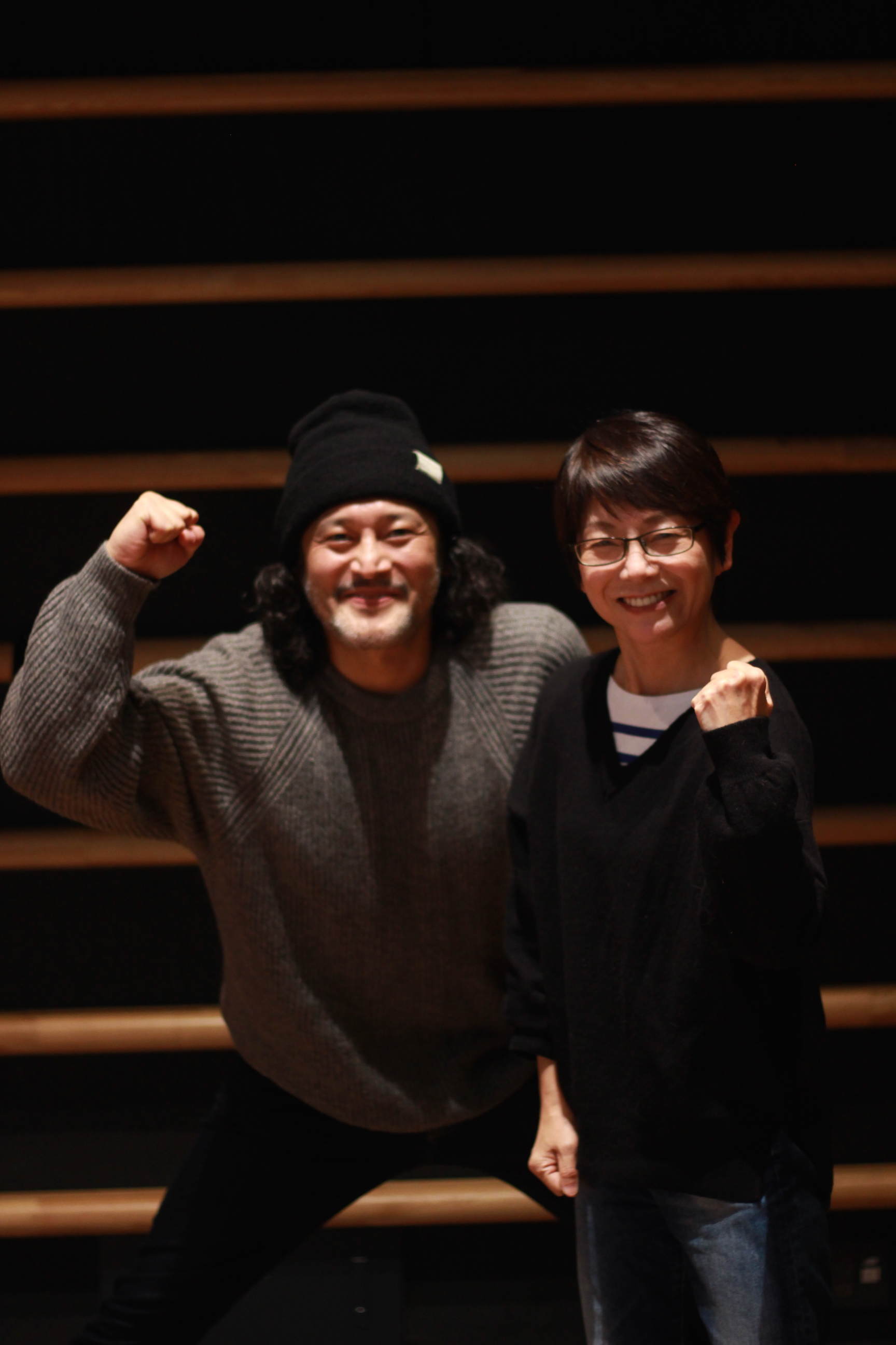 千葉雅子(右)と横田栄司