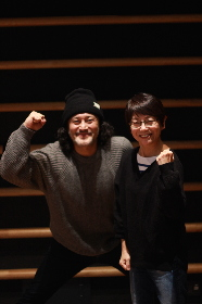 串田和美演出『白い病気』で新鮮な顔合わせ! 「世界の権力者の顔が浮かんで身につまされる」(横田栄司)、「生々しいけど、おかしみ満載」(千葉雅子)