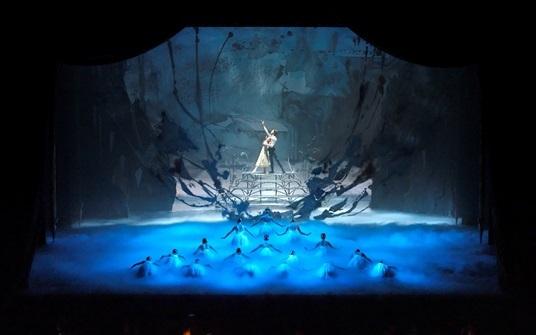 舞台写真・Stage photo (C)小川峻毅(Shunki Ogawa)