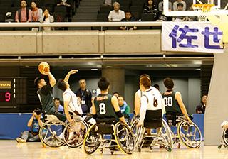 車いすバスケットボール 写真提供:一般社団法人 日本車いすバスケットボール連盟