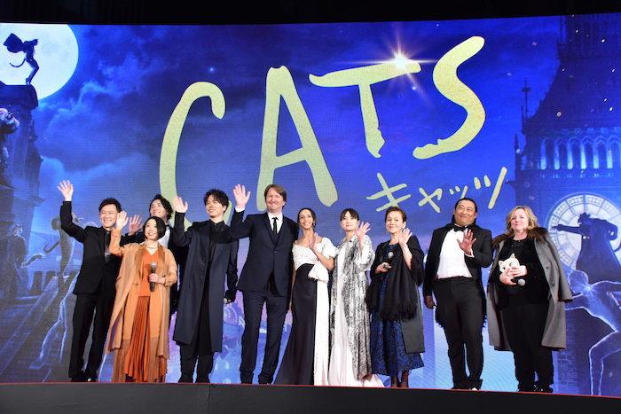 映画『キャッツ』ジャパンプレミアに参加した、トム・フーパー監督、主演のフランチェスカ・ヘイワード、プロデューサーのデブラ・ヘイワード、そして、日本語版吹替えキャストら