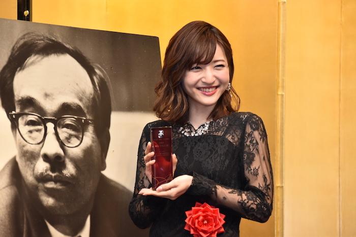 第43回菊田一夫演劇賞を受賞した神田沙也加