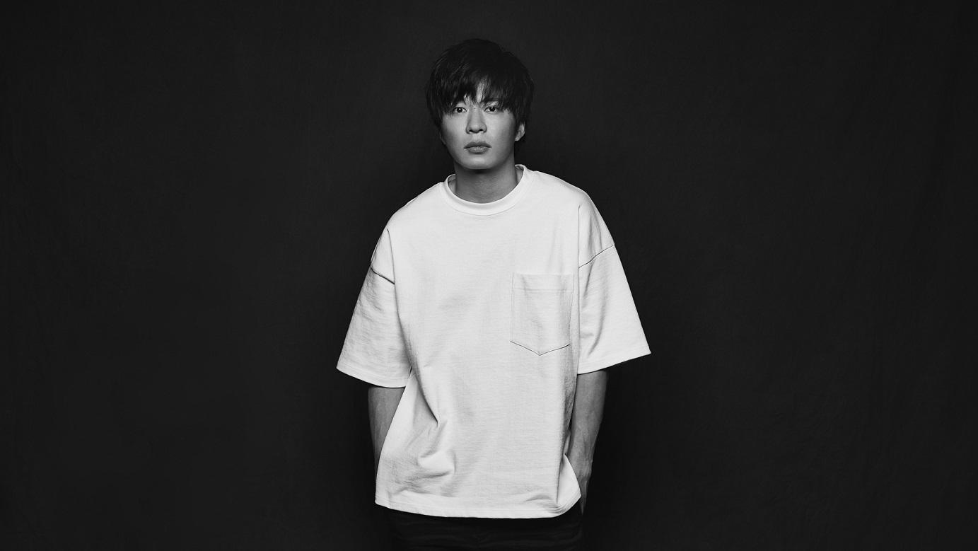 田中圭が演じる手塚翔太