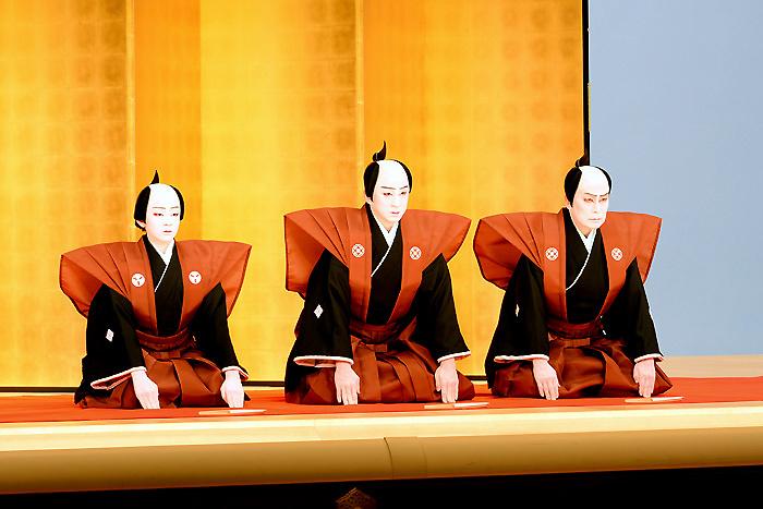 (左から)松本金太郎、市川染五郎、松本幸四郎