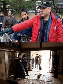 岡田准一と山田涼介が緊張感あふれる表情に 映画『燃えよ剣』からメイキングカットを公開