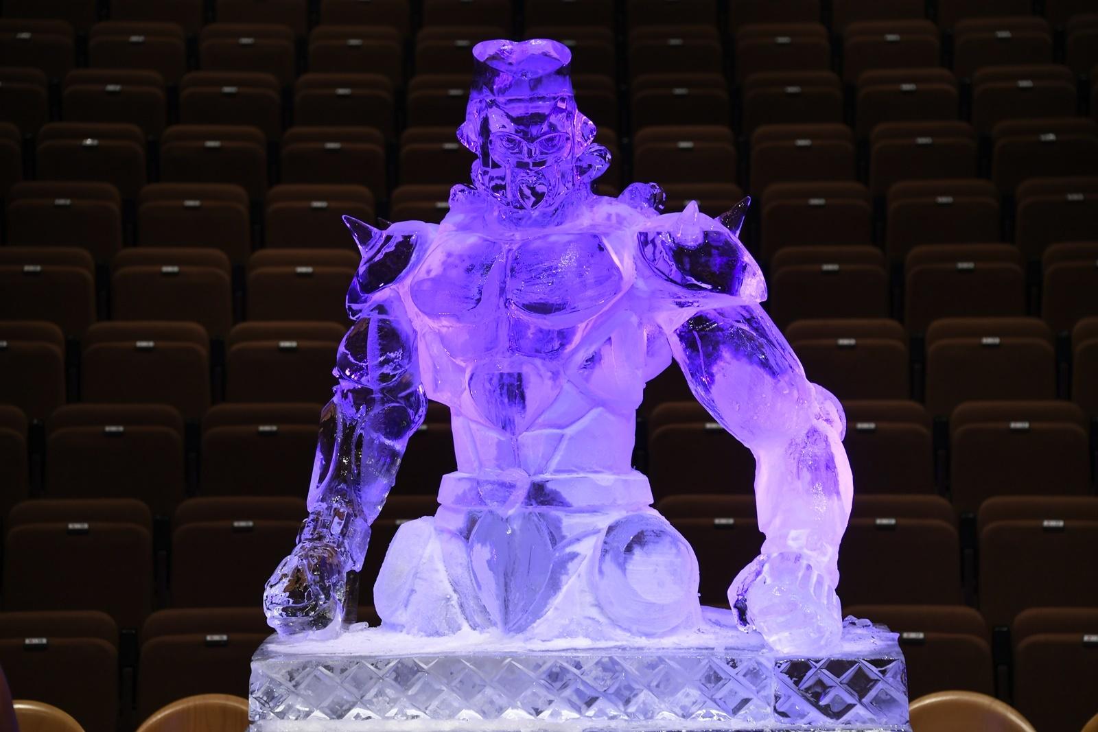 クレイジー・ダイヤモンドの巨大氷彫刻