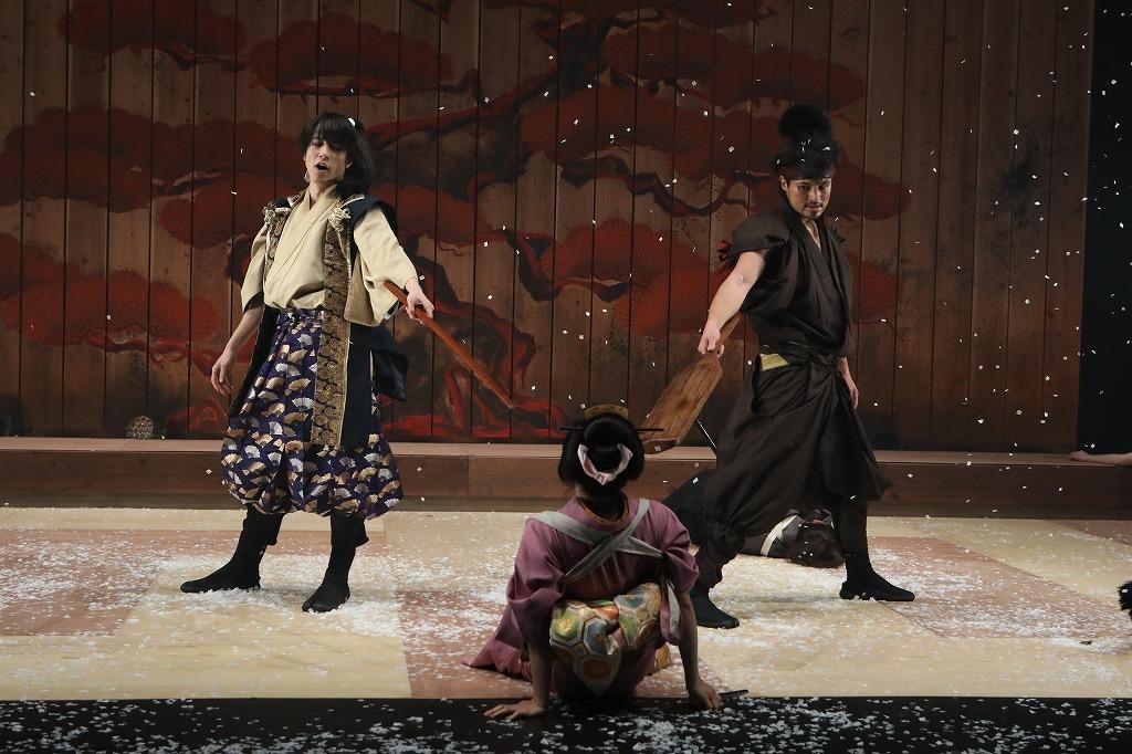 OFFICE SHIKA PRODUCE『秘剣つばめ返し』  写真:和田咲子
