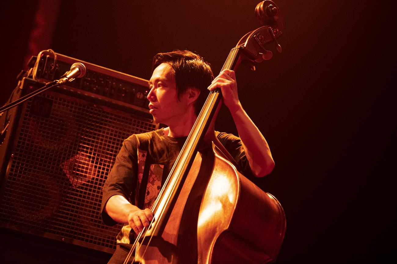 H ZETT NIRE  Photo By Yuta Ito