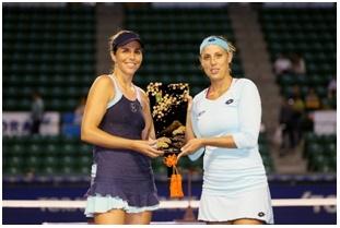 ダブルス優勝のマリアホセ・マルティネスサンチェスとアンドレヤ・クレパーチのペア