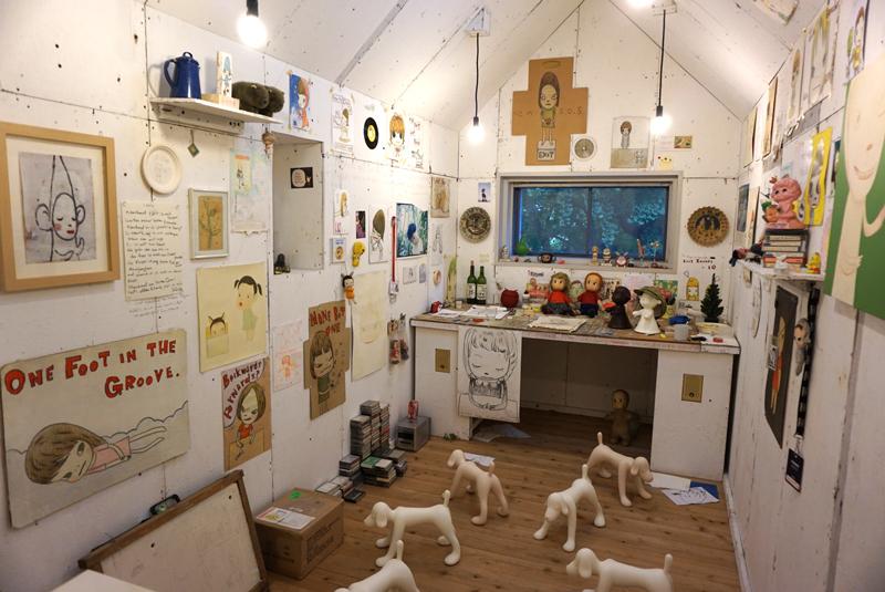 奈良美智《My Drawing Room》2004年