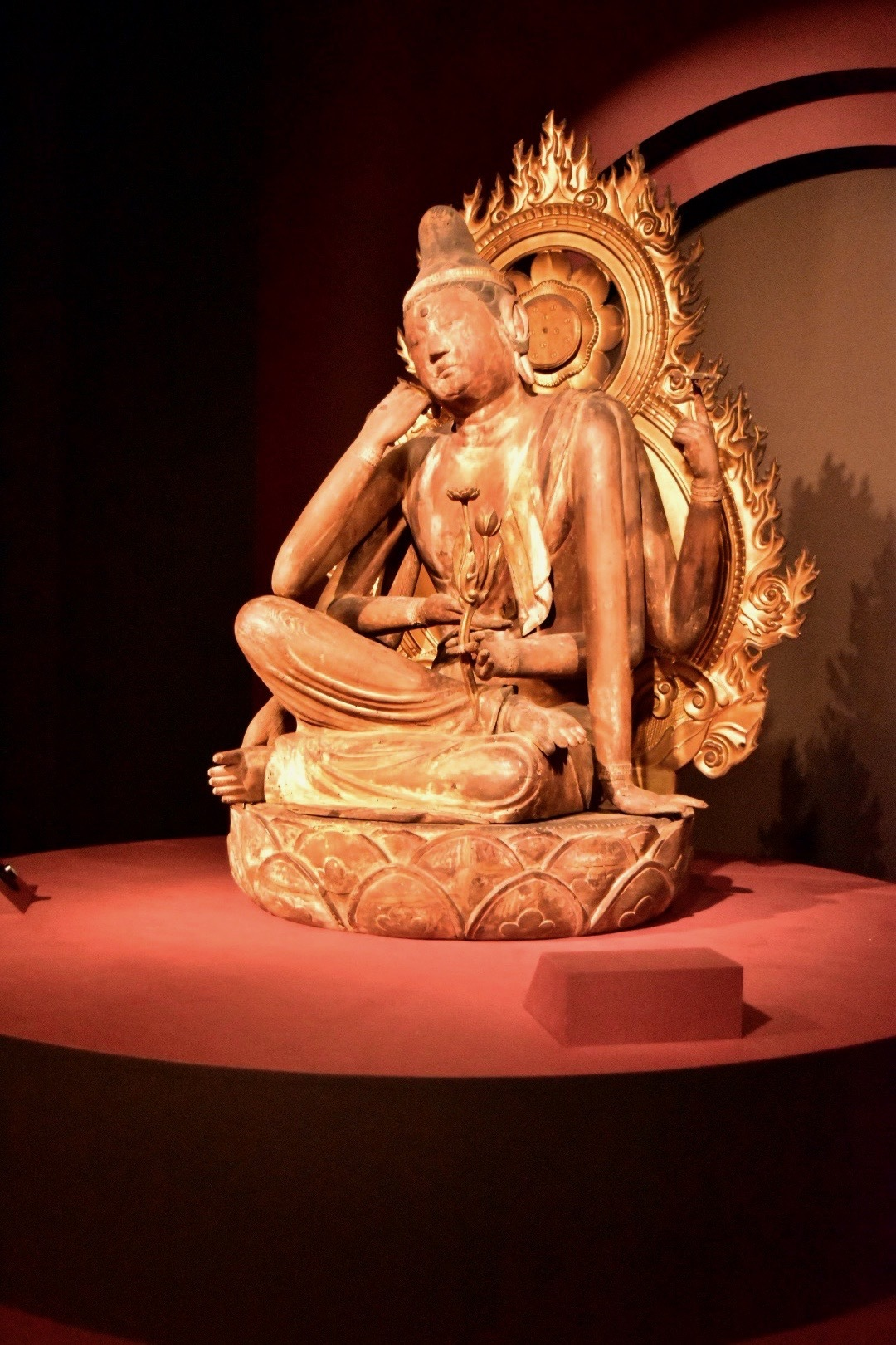 重要文化財 如意輪観音菩薩坐像 平安時代 10世紀 兵庫・神呪寺