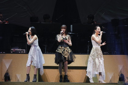 Kalafinaが武道館に響き渡らせた「未来福音」『Kalafina 10th Anniversary LIVE 2018』レポート