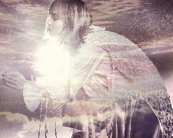 LiSA、新アーティスト写真&新曲「dawn」のジャケット写真を公開 1/1より毎日更新の企画もスタート