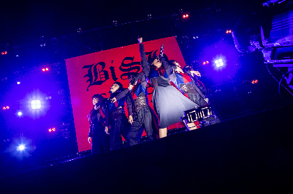 BiSH、史上最大7,000人フリーライブで横浜赤レンガ倉庫を熱狂のステージに 『BiSH参勤交代the beyond』を締めくくる
