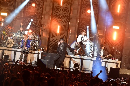 BUCK-TICK 2万人を動員したデビュー30周年スペシャル野外ライブ、熱狂の2日間オフィシャルレポート