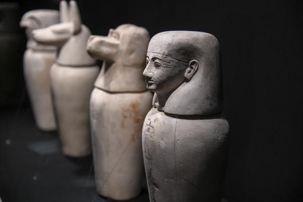 《タバケトエンタアシュケトのカノポス容器》第3中間期・第22王朝、タケロト2世治世、前841〜前816年頃