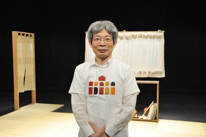 平田オリザ(青年団)。 [撮影]吉永美和子(舞台写真以外すべて)