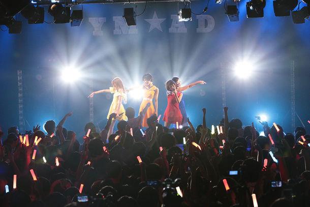 夢みるアドレセンス「真夏の夜のYUME LAND」東京・LIQUIDROOM公演の様子。(撮影:平野哲郎)