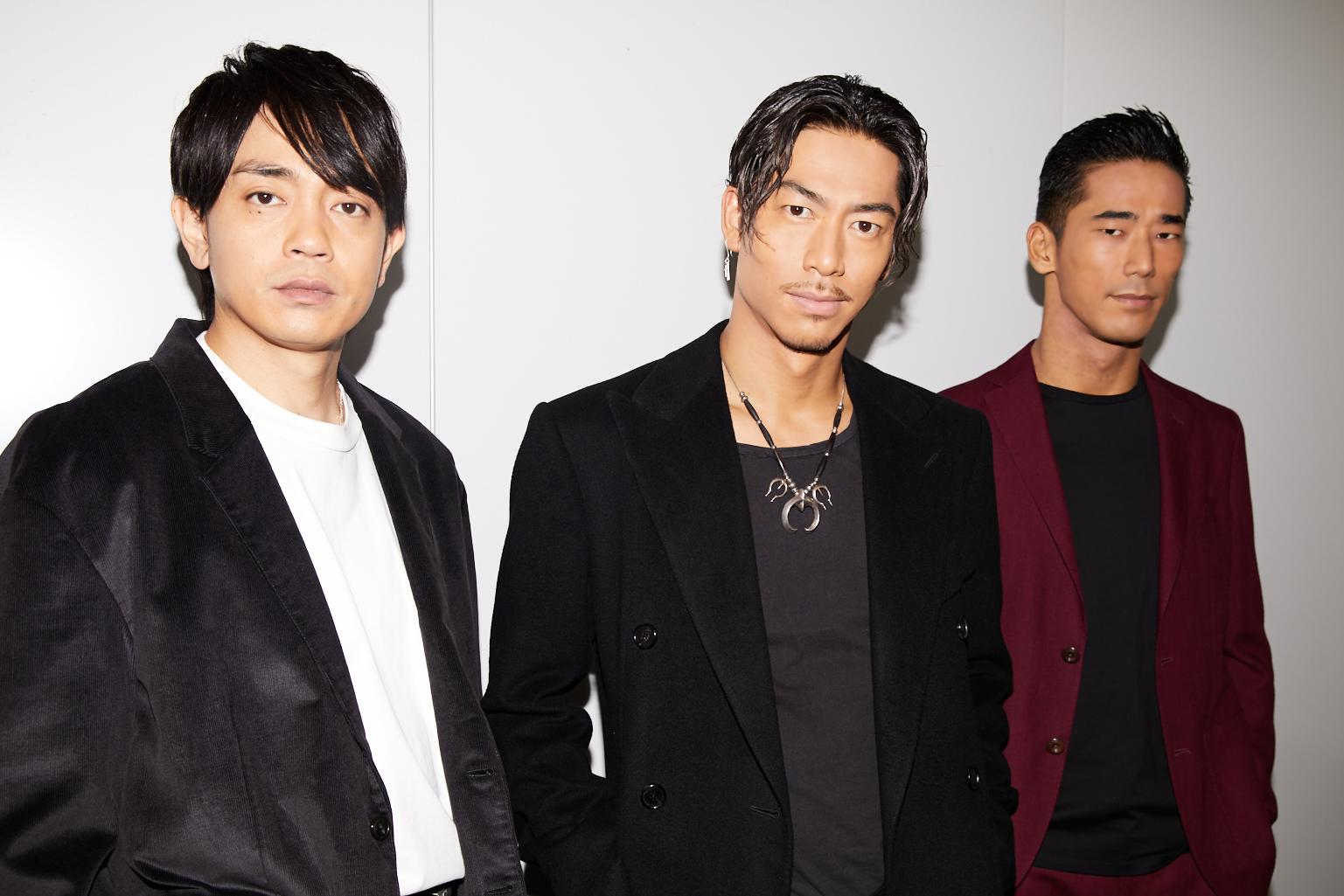左から、青柳翔、AKIRA、小林直己 撮影=岩間辰徳