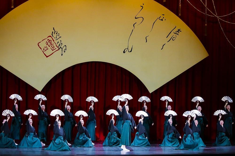 (c)宝塚歌劇団