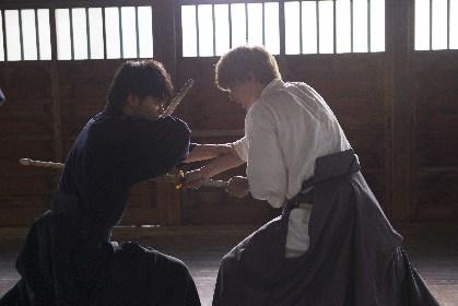 ドラマ『銀魂-ミツバ篇-』 柳楽優弥VS吉沢亮の剣道シーンメイキング映像を公開 セリフを発しながらの激しいアクションに注目