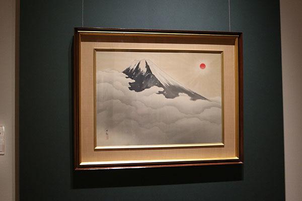横山大観《霊峰不二》1937(昭和12)年。展示室で私たちを最初に出迎えてくれる