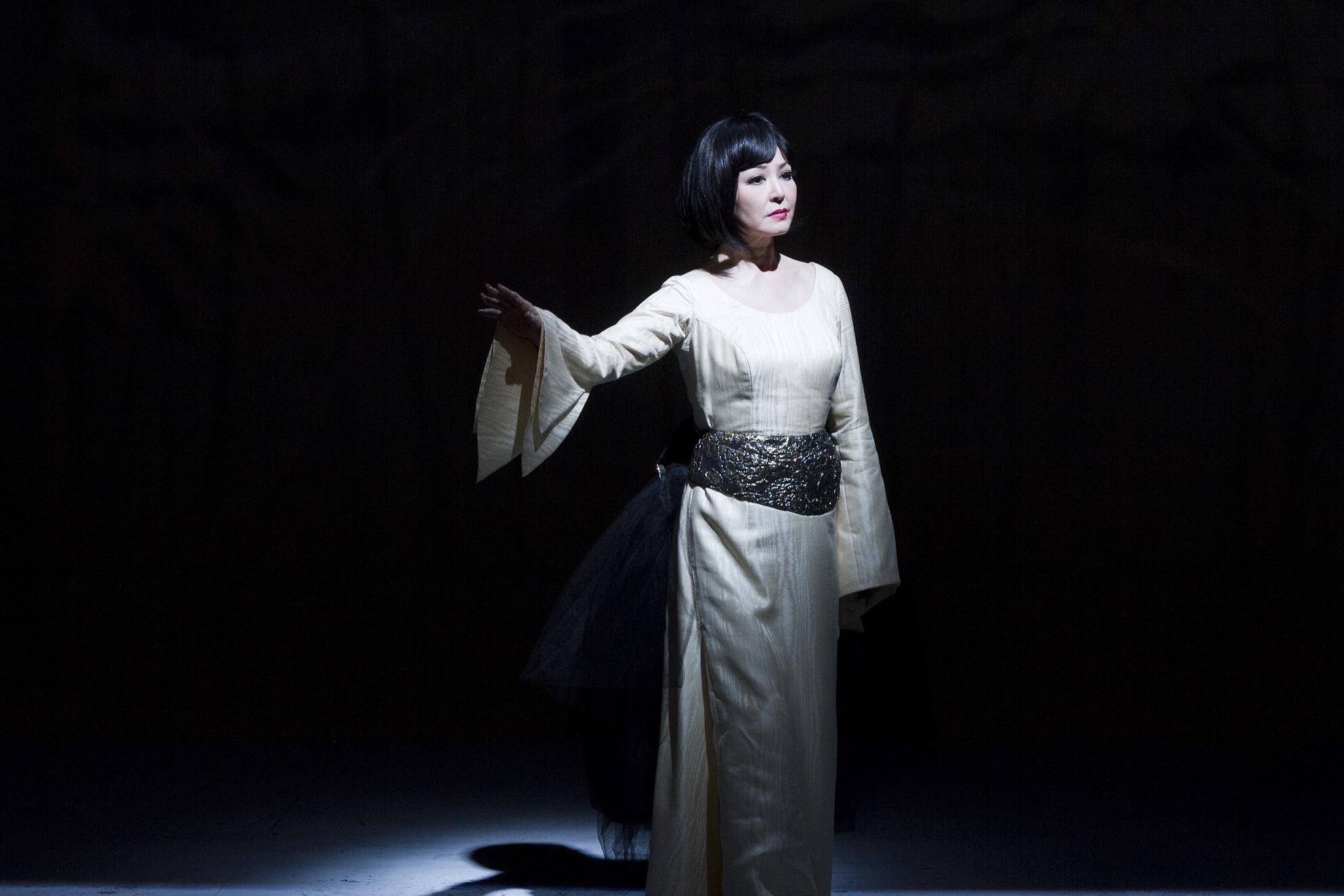 オペラ「夕鶴」  (撮影:三浦興一)