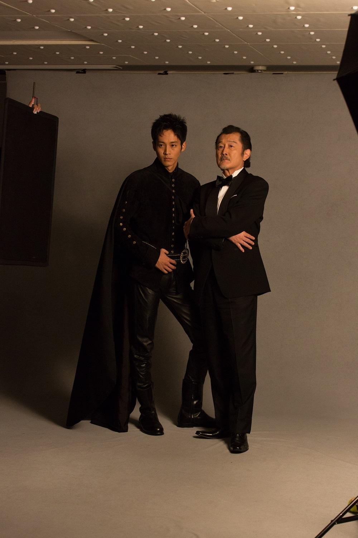 (右から)吉田鋼太郎、松坂桃李