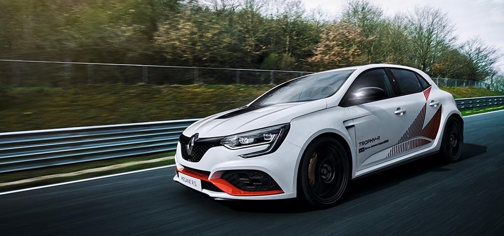 Renaultは「メガーヌ R.S. トロフィーR」を出展