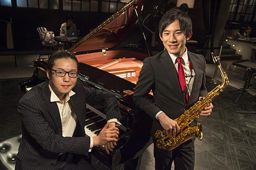 反田恭平(ピアノ)、上野耕平(サックス)、 (撮影=岡崎雄昌)