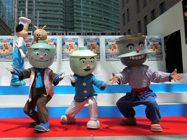 写真左から、てんどんまん、カツドンマン、かまめしどん (C)やなせたかし/フレーベル館・TMS・NTV