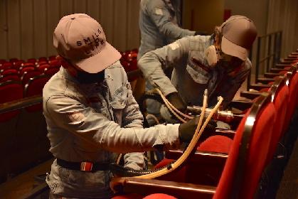 シアタークリエで感染症対策の除菌作業を公開 12/12からは『オトコ・フタリ』が開幕予定