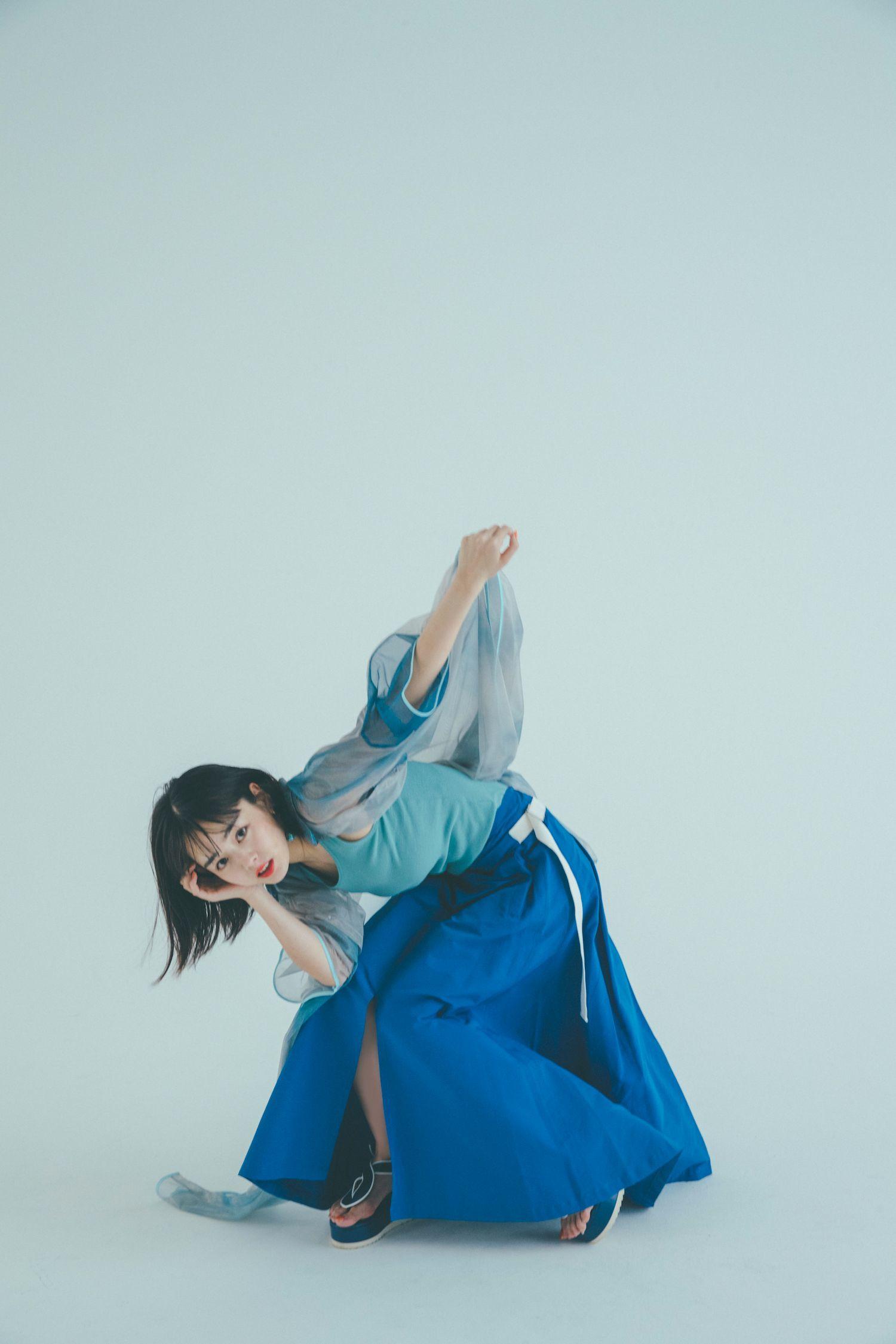 「伊原六花CALENDAR BOOK 2021」(東京ニュース通信社刊)