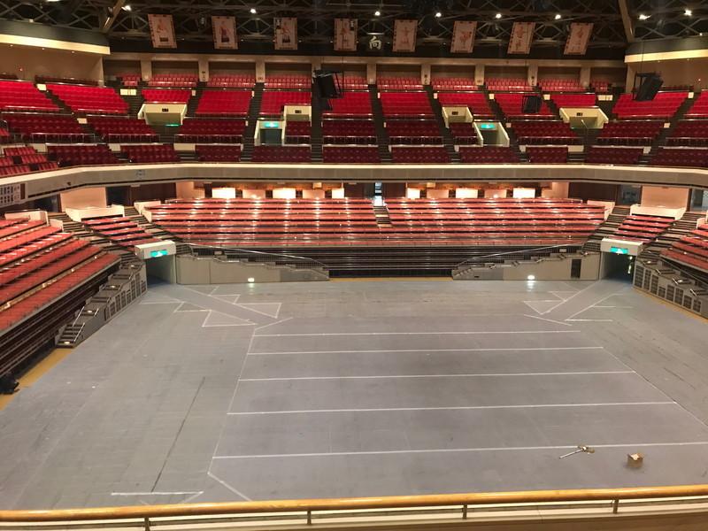 丁度アリーナ部分奥側にステージを制作する予定、この画角だとステージはほぼ正面に来る