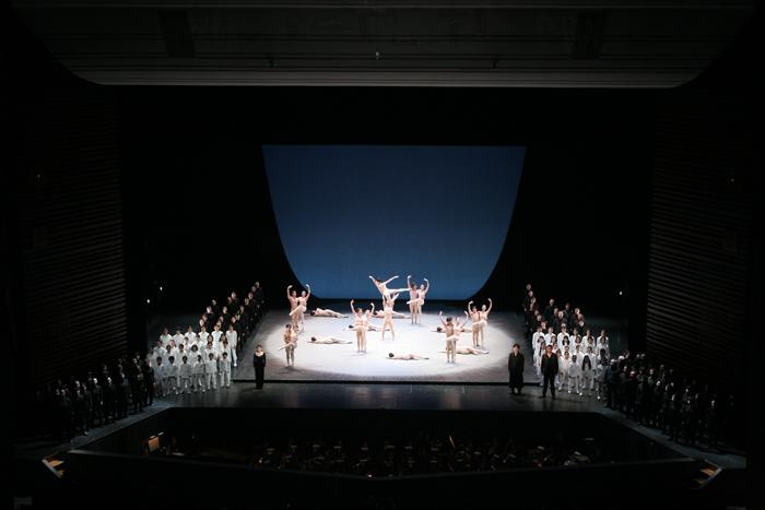 O.F.C.合唱舞踊劇『カルミナ・ブラーナ』 撮影:スタッフ・テス