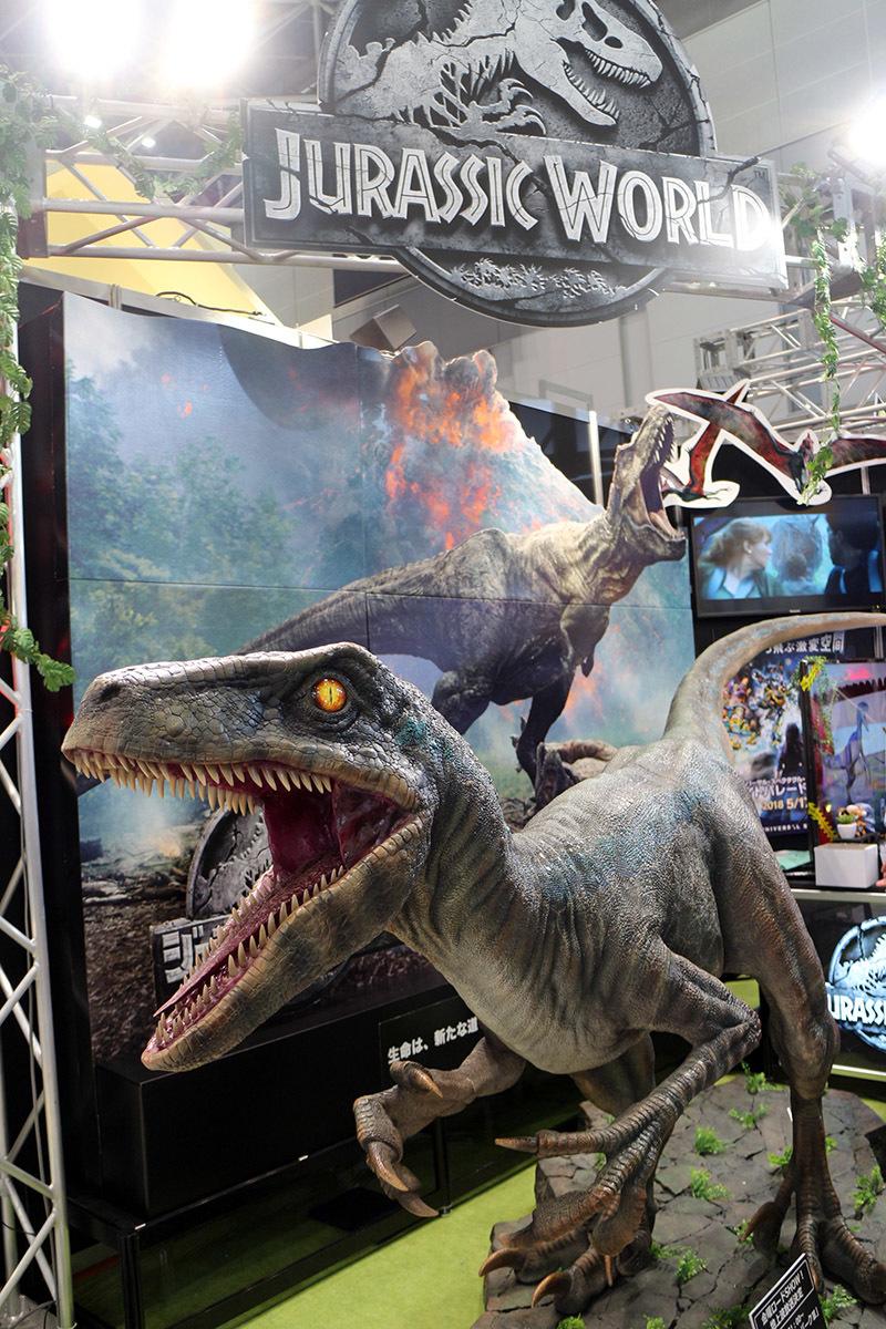 7月13日公開の映画『ジュラシックワールド』にも登場するヴェロキラプトル。