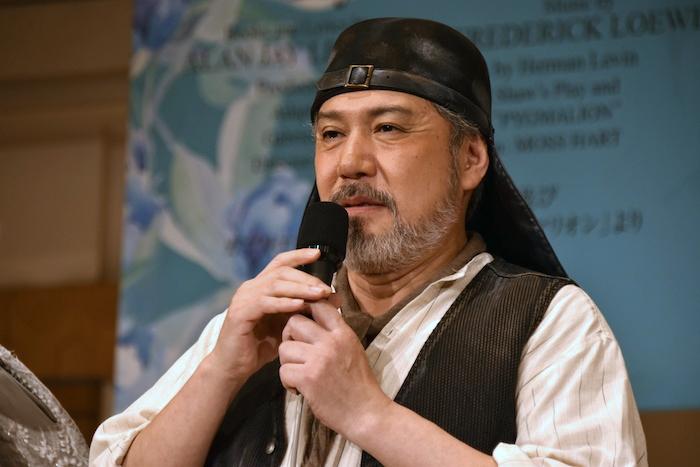 アルフレッド・ドゥーリトル役の今井清隆