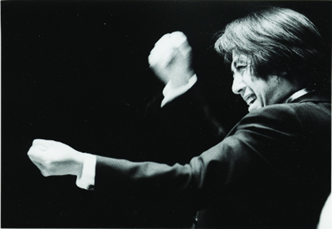 栁澤寿男(東京公演・指揮)