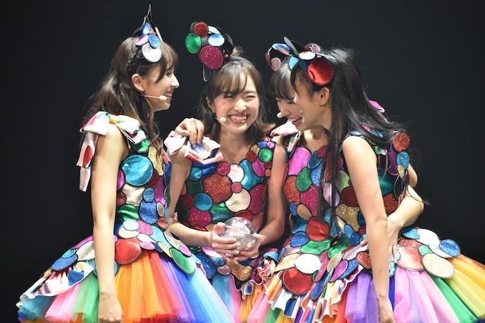 『ドゥ・ユ・ワナ・ダンス?』の公開舞台稽古の様子