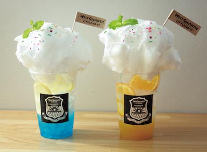 ジャイガソーダ 各600円(税抜)(左:スカイブルー、右:マンゴーサンシャイン)
