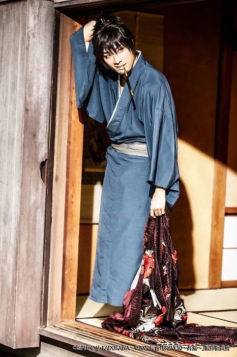 真田幸村役:鵜飼主水 (C)霜⽉かいり・KADOKAWA (C)2020 舞台「BRAVE10〜昇焉〜」製作委員会