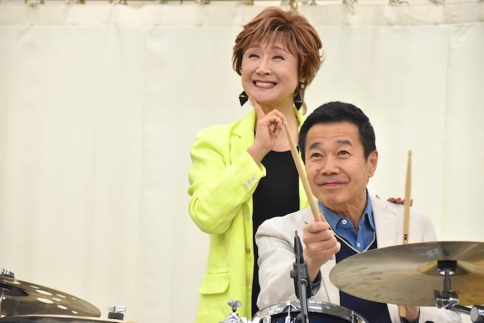 小林幸子、三宅裕司(左から)