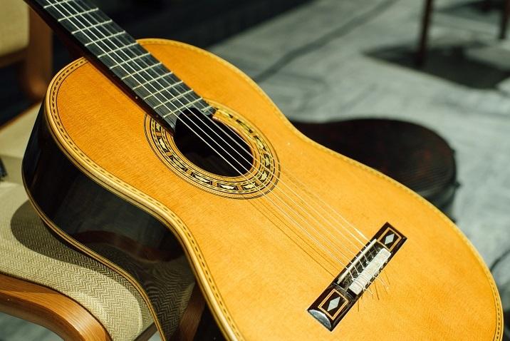 美しい鈴木大介のギター! (C)山本康平