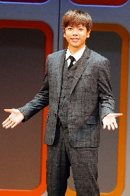 増田貴久が魅力的な歌と軽快なダンスを披露 ミュージカル『ハウ・トゥー・サクシード』が開幕 舞台写真が到着