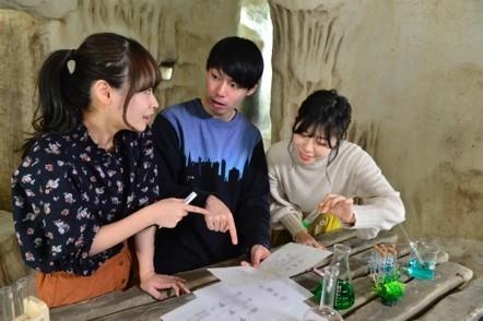 プレイイメージ  (C)SCRAP (C)米スタジオ・ Boichi /集英社・ Dr.STONE 製作委員会