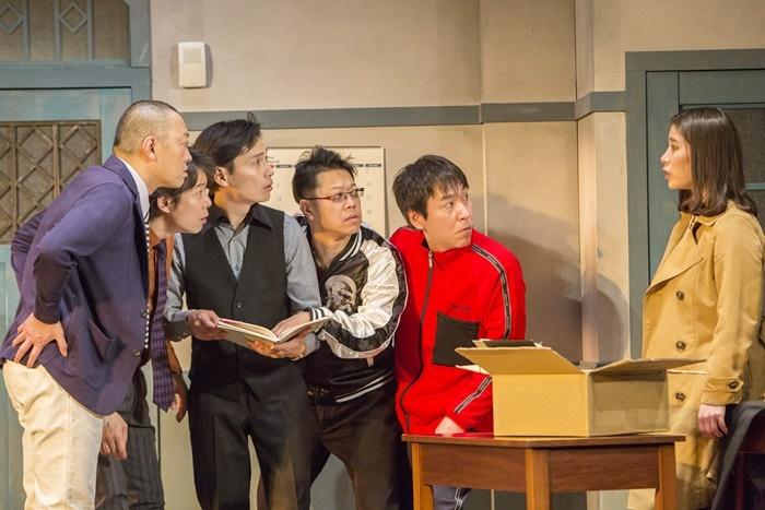 MONO第45回公演『隣の芝生も。』(2018年)。今回加入した新メンバーも、トライアル的にゲスト出演していた。 [撮影]谷古宇正彦
