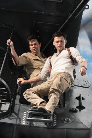 トム・ホランド演じるネイサン・ドレイクが危機一髪! 実写映画『アンチャーテッド』初の予告編を公開