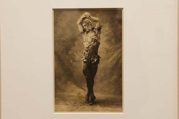 ワツラフ・ニジンスキー「薔薇の精」E.O.ホッペ写真集より